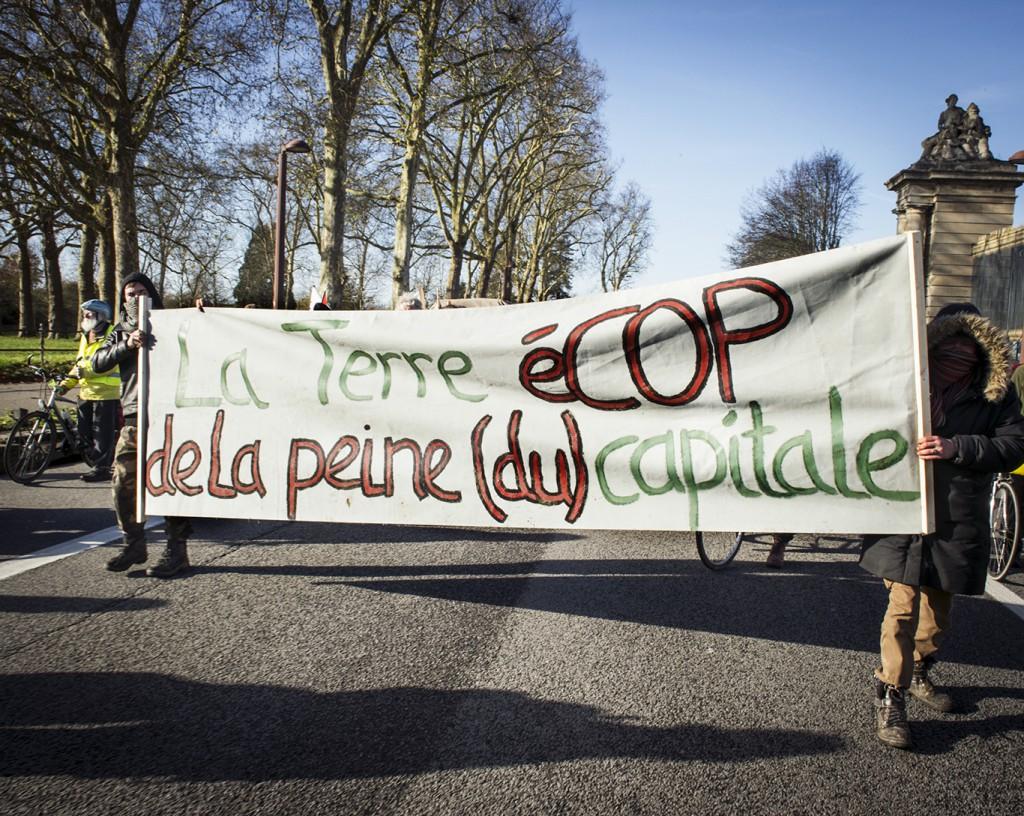 Convoi Cap sur la Cop, 28 novembre 2015, étape entre Emancé et Versailles.